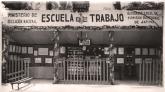19530815 La Escuela en la feria de agosto 2